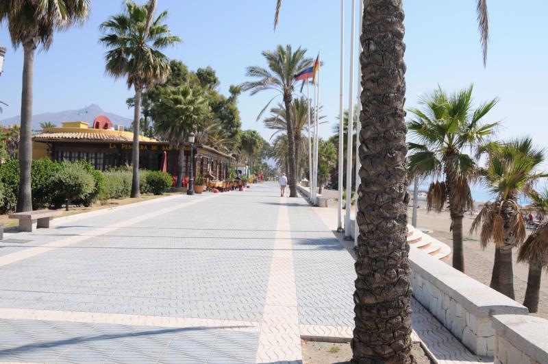 Boulevard San Pedro beach