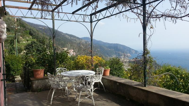 Panoramic Room in Villa Corbezzolo – semesterbostad i Cinque Terre