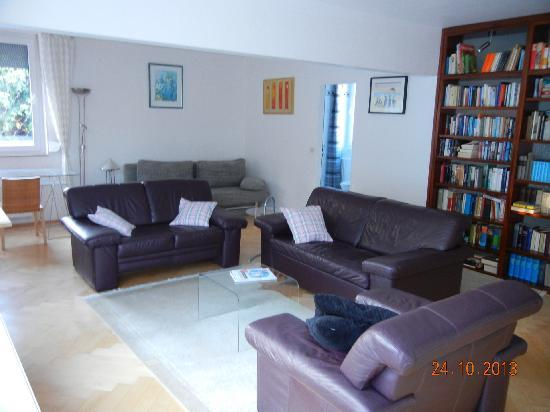 Vacation Apartment in Düsseldorf-Kaiserswerth - 840 sqft, spacious, comfortable, central (# 2518) #2518