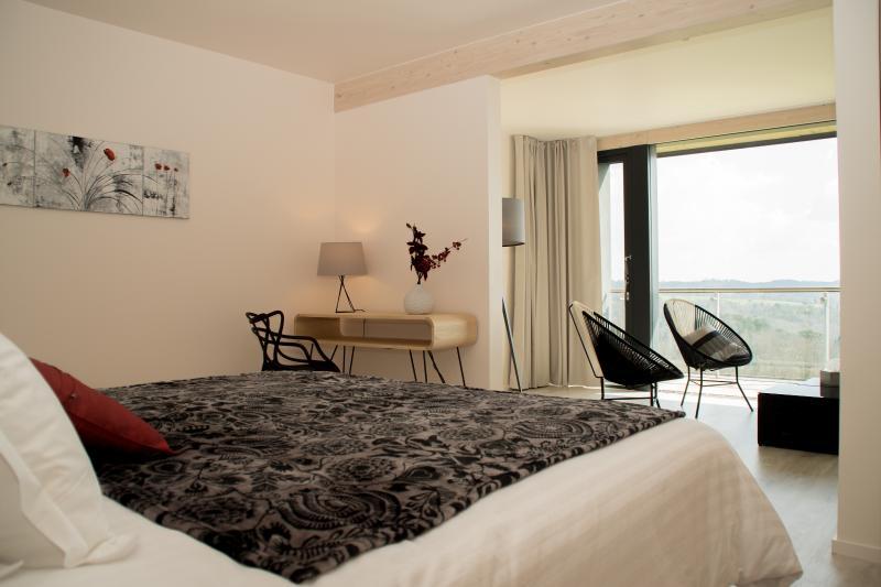 VILLA LASCAUX  - Suite 5, holiday rental in La Chapelle-Aubareil