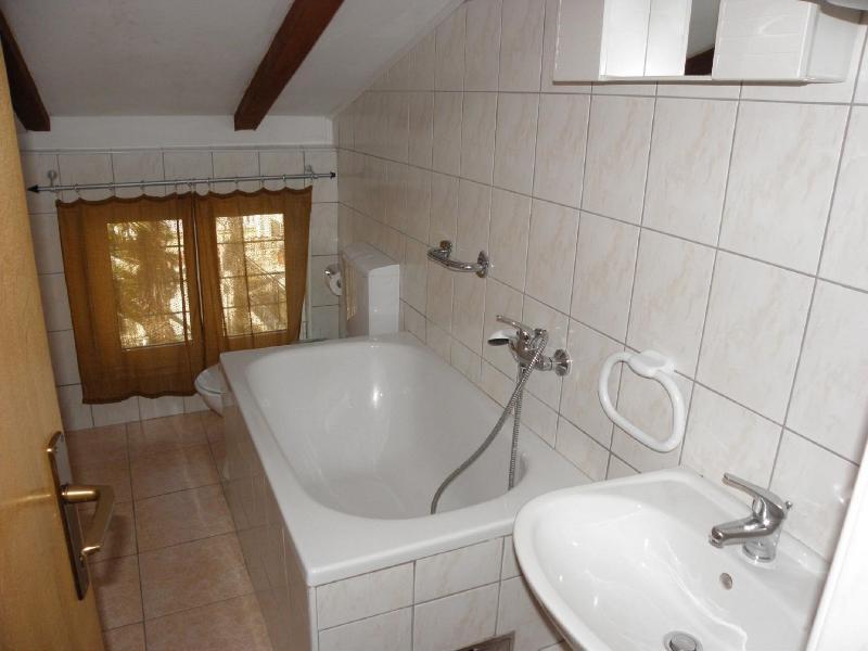 A1 lijevi(4): bathroom with toilet