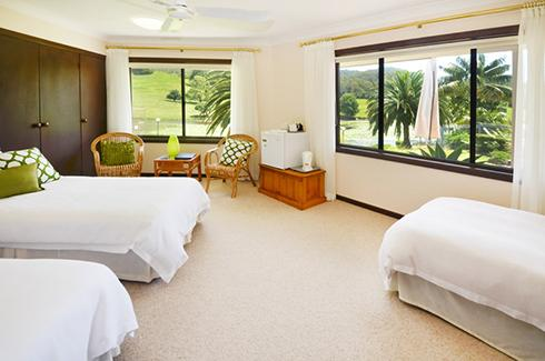 Sunny Hill Retreat Bonville Room 1, vacation rental in Brooklana