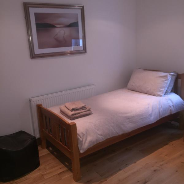 Room with 2 X single beds