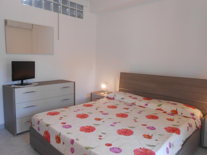 Appartamento a due passi da Taormina, holiday rental in Rocchenere