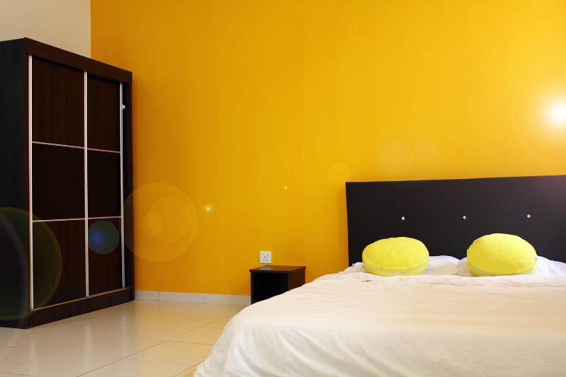 Macaroon Homestay, Legoland Bkt Indah, holiday rental in Gelang Patah