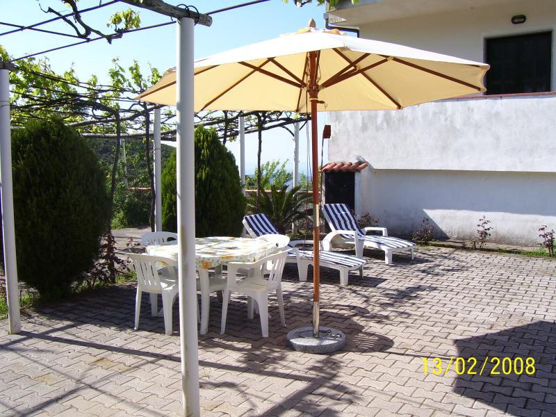villetta indipendente con giardino Pisciotta-palin, Ferienwohnung in San Nicola