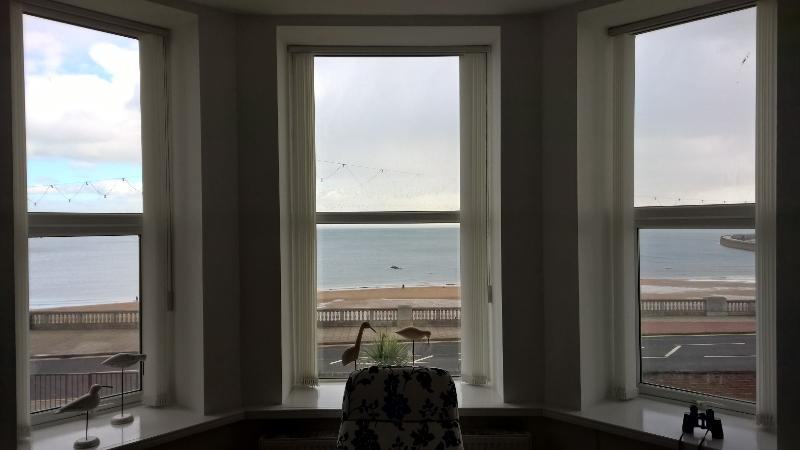 Plush Sea View Apartment, holiday rental in Tyne and Wear
