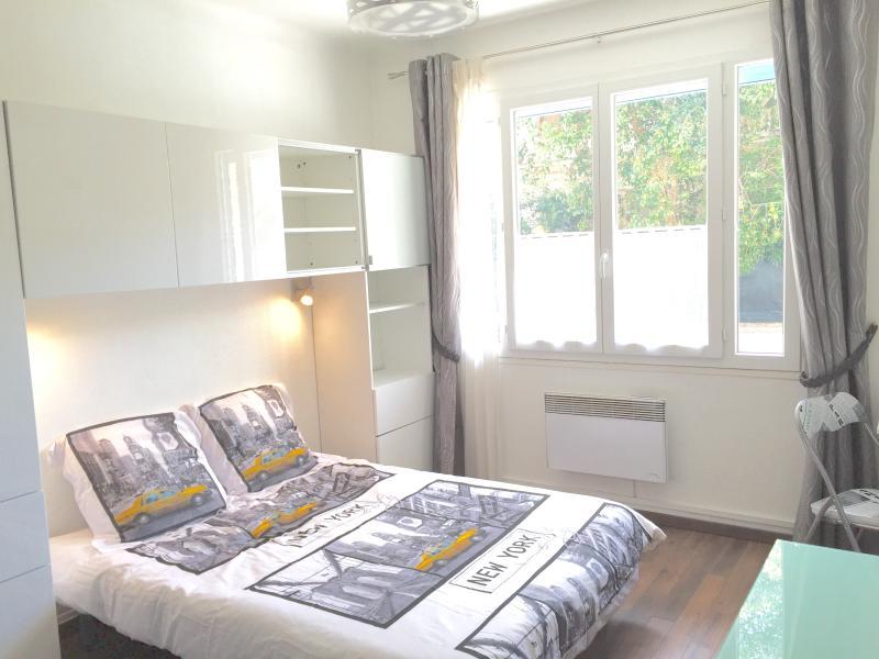 Séjour Chambre Living / bedroom (sofa open)