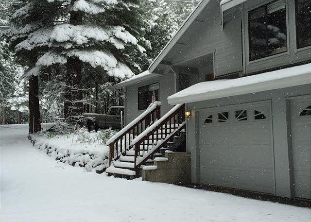 Extérieur de la cabine dans la neige