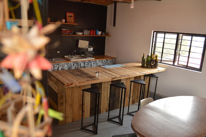 Cocina Euipada con todo lo necesario para una estancia comoda.