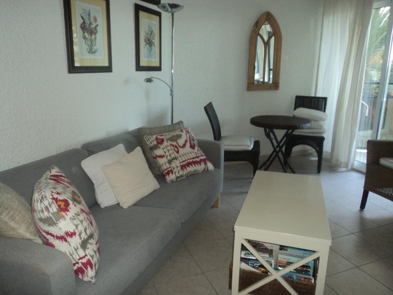 Living room 224c
