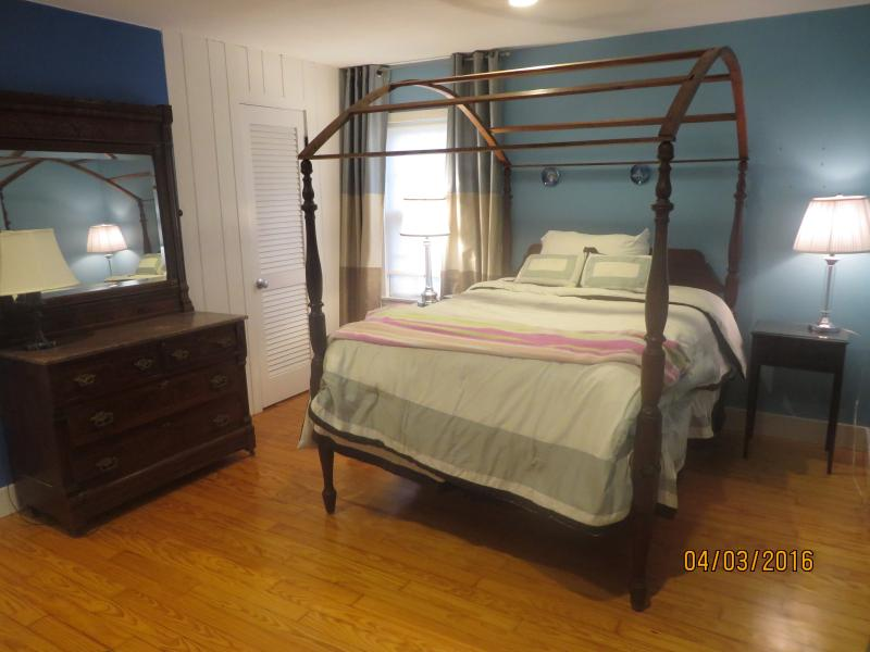 Bed room 3 with double bed.