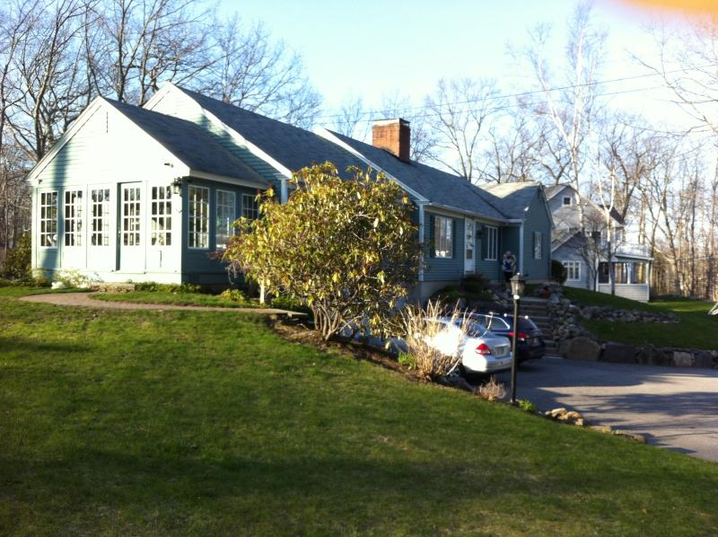 Walk to the beach!, vacation rental in York
