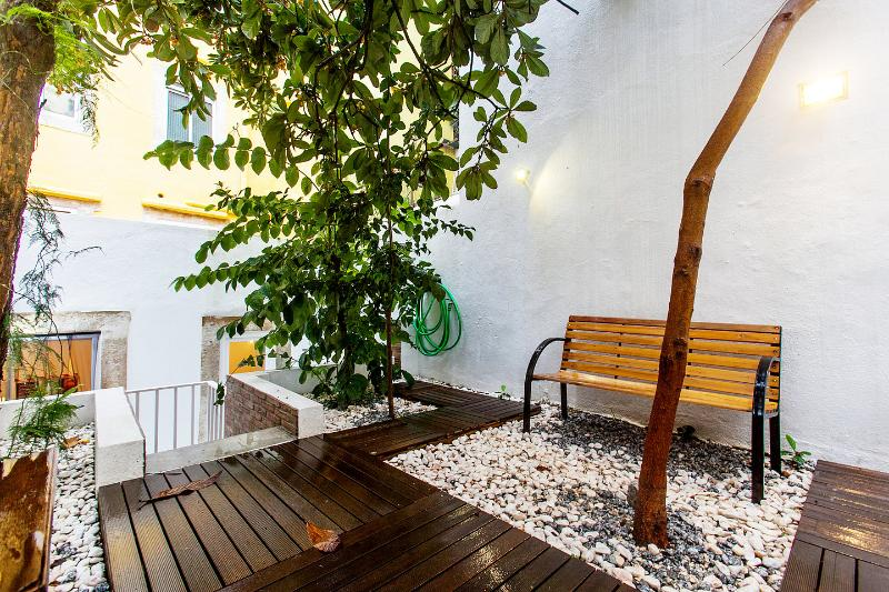 Bica / Chiado - Garden House, holiday rental in Lisbon