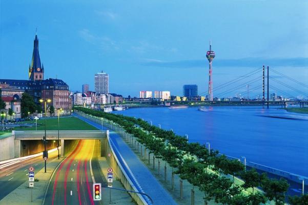 Düsseldorf bietet Ihnen eine reiche Auswahl an Kunst, Kultur, Shopping, Gastronomie, Sport und mehr