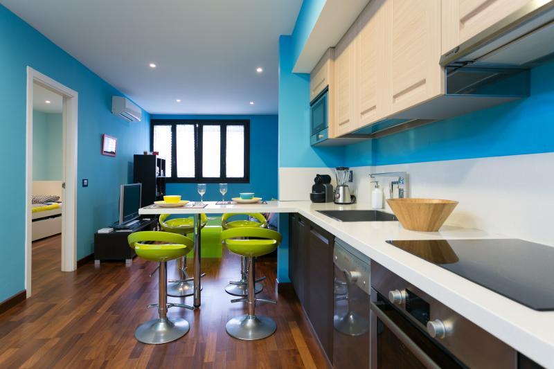 Cocina y Salón mas air conditioner