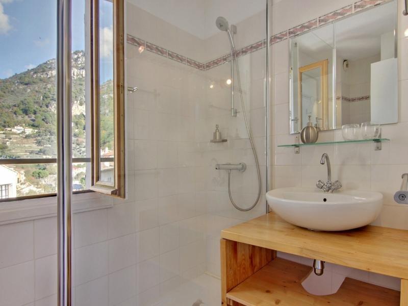 Room Philomène en-suite shower room with toilettes