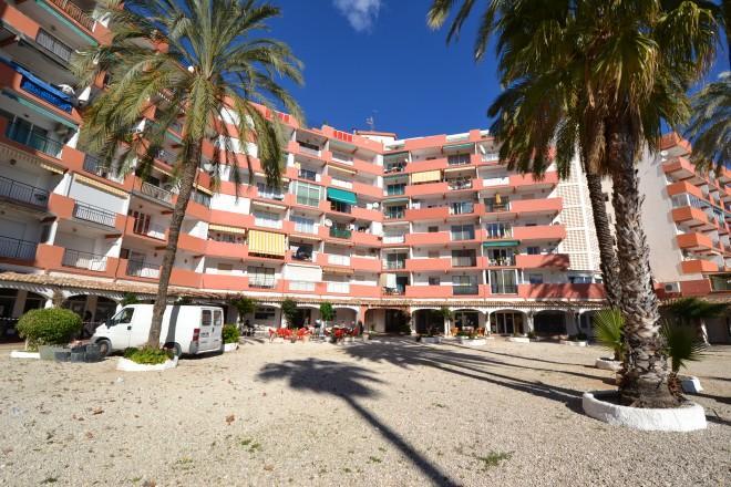 Apartamentos en El Arenal a 80 metros de la playa de arena blanca
