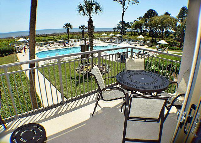 Ocean One 209 - Complete Renovation 2 bedrooms - Spectacular Oceanfront Gem!, vacation rental in Hilton Head
