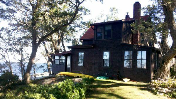 Great original cottage right on the water.