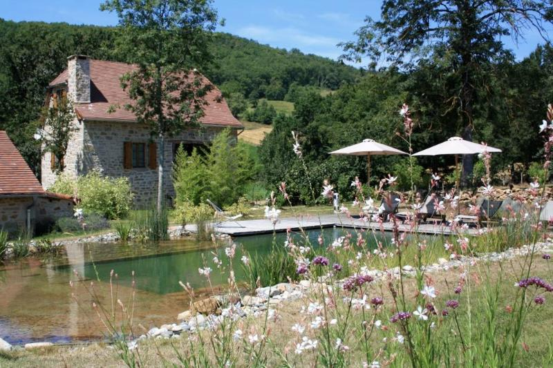 Le Hameau du Quercy gîte charme piscine naturelle, vacation rental in Cajarc