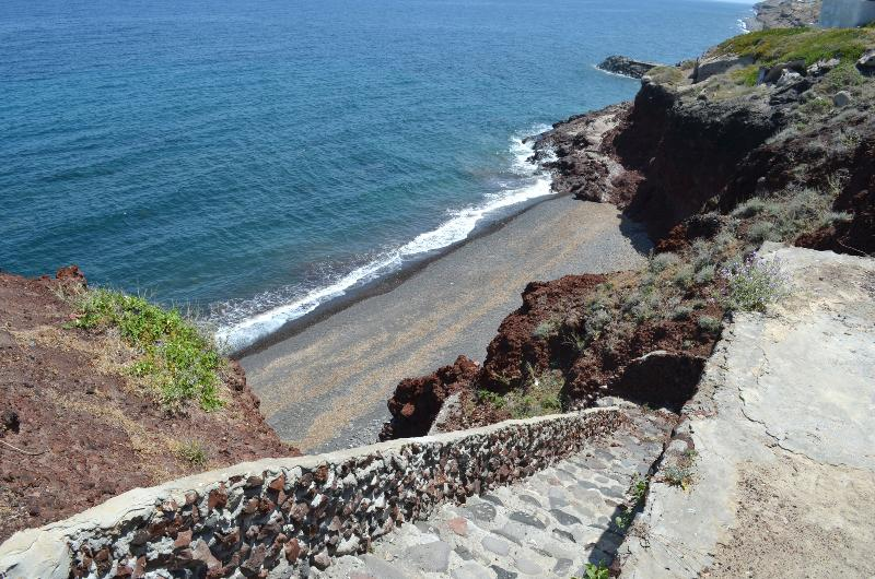 SECLUDED BEACH AT WALKING DISTANCE FROM THE HOUSE