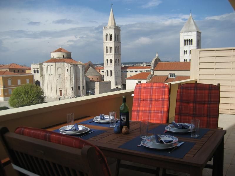 Sunset Delight Apartment, vacation rental in Zadar