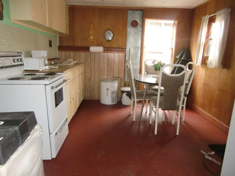 Cottage No. 2  Kitchen - Dining area