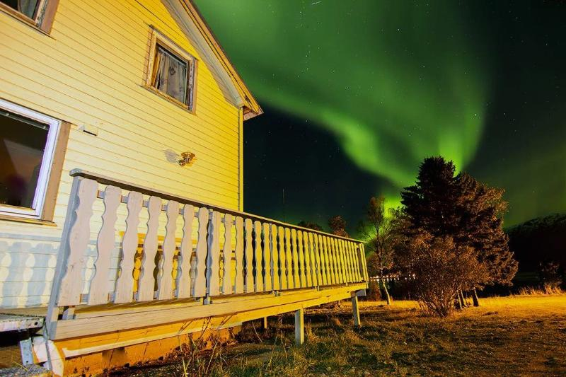'Guesthouse Northern Lights' Our passion is to create memories in arctic Norway
