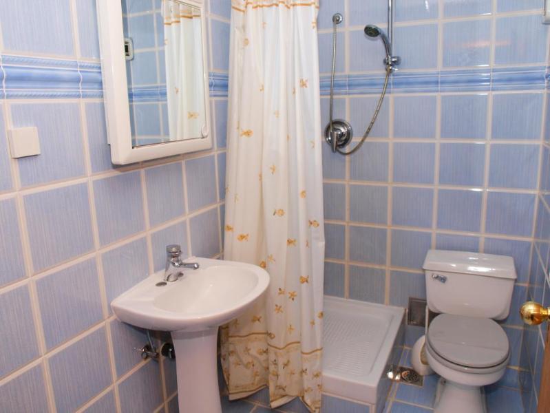 A10 (4 + 2): bagno con wc