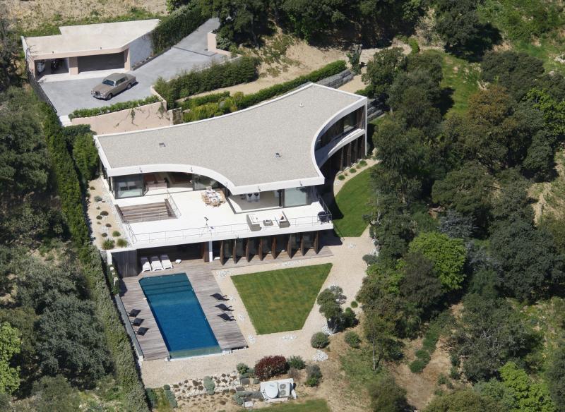 Contemporary villa over looking St-Tropez