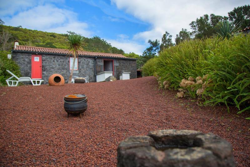 Aldeia dos Caldeirões - Casa Vulcano, aluguéis de temporada em Madalena