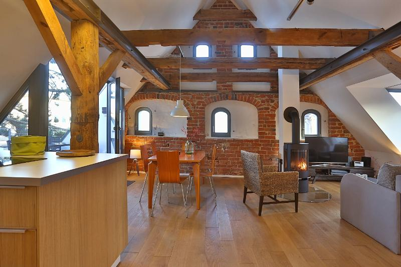 Apartment NIKOLAI in Old Granary in Stralsund, Ferienwohnung in Stralsund