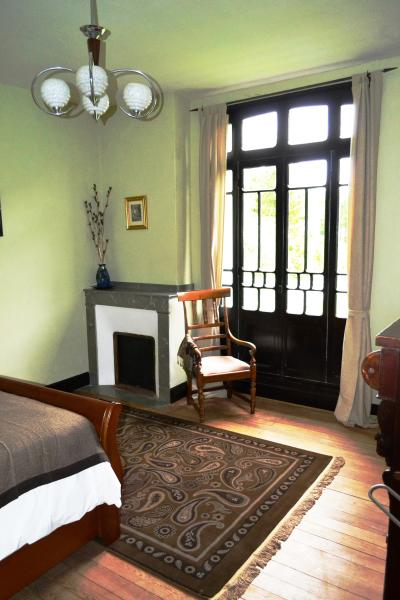 Maison Esmeralda Chambres d'Hotes & Gite 3, holiday rental in Boussenac