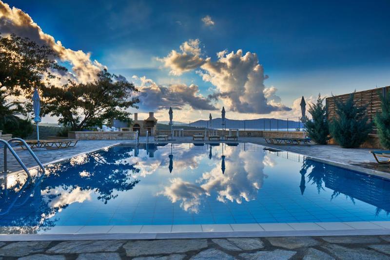 Appart deux pièces à louer à Episkopi (Rethymnon), vacation rental in Kato Valsamonero