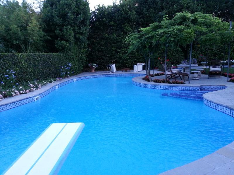 Appartamento in villa con piscina, holiday rental in San Vincenzo A Torri