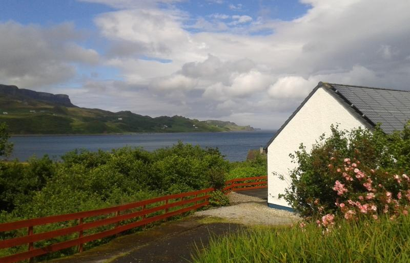 Ewen's House, Staffin, holiday rental in Kilmaluag