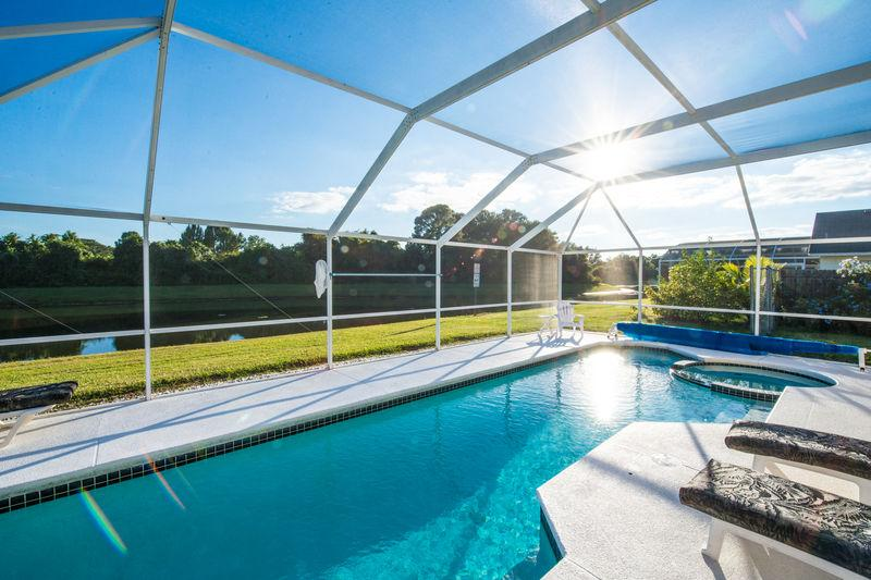Our Lake View 3 bed Vacation Home - South Facing Pool & Spa