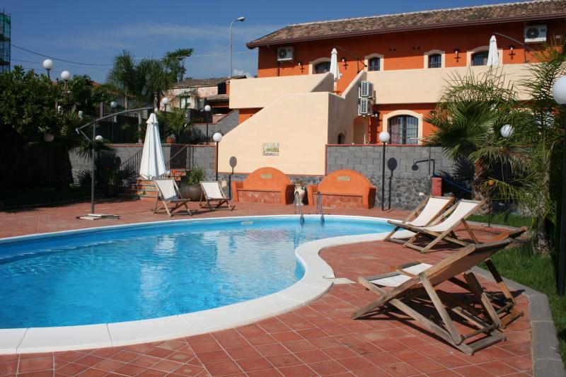 Borgo Barone...tra il mare e l'Etna..., location de vacances à Mascali