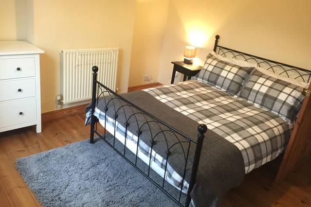 Cranmore House - 3 bedroom cosy central house in Wolverhampton, location de vacances à Pattingham