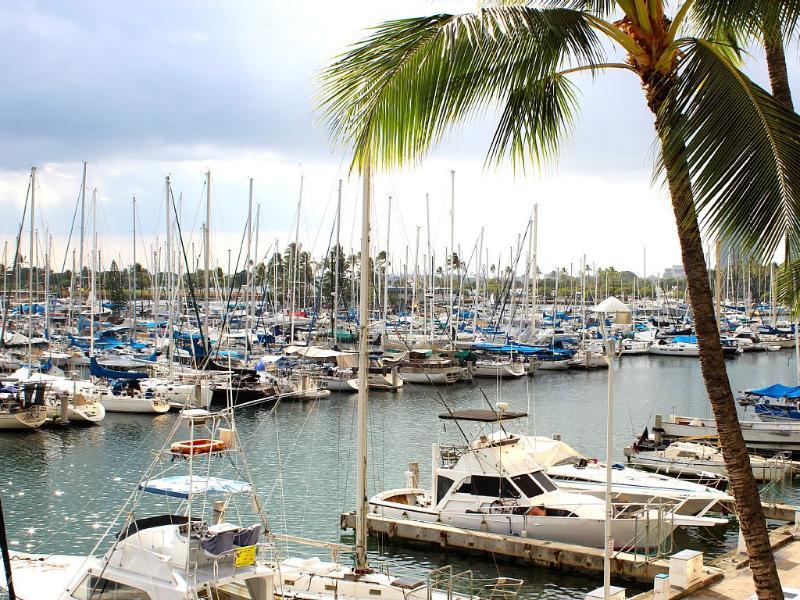 Exquisite Waikiki Oceanfront Condo, aluguéis de temporada em Honolulu
