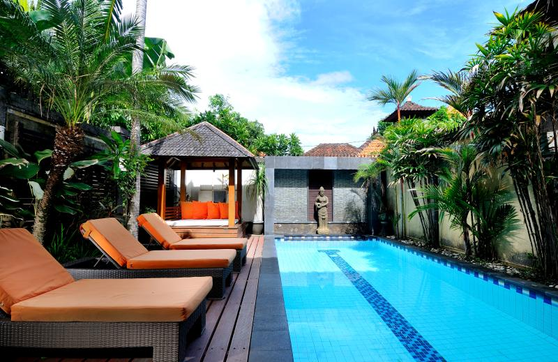 Central Legian Beach, Spacious 4 bed, Villa Mimpi: managed by Cool Bali Villas, aluguéis de temporada em Legian