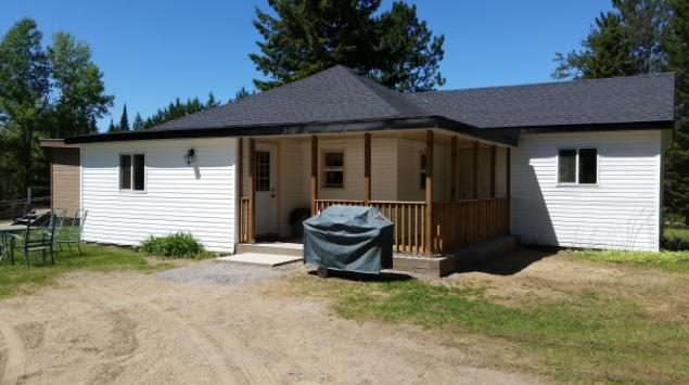 Nick's Retreat - Madawaska, Ontario, Canada, holiday rental in Northeastern Ontario