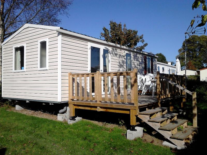 Cottage Chalet Lodge Holiday Rental Parc Normandie, holiday rental in Cahagnes