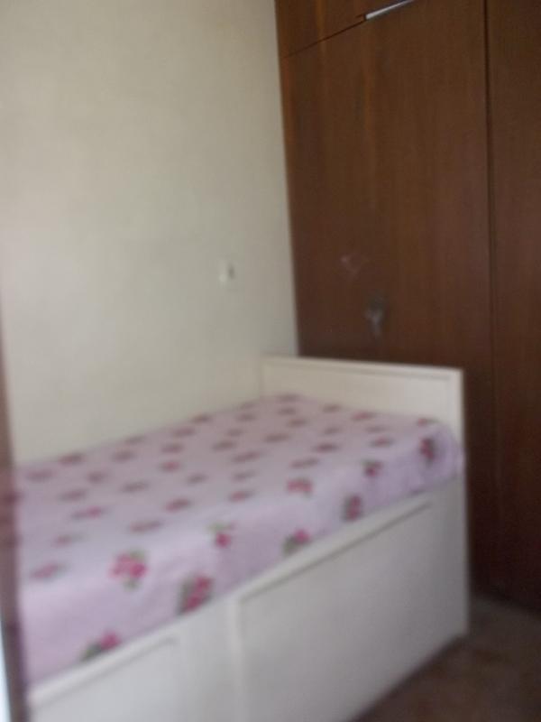 quarto pequeno para solteiro