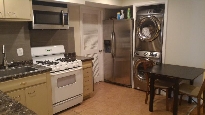 Full kitchen. mostly Samsung stainless steel appliances.