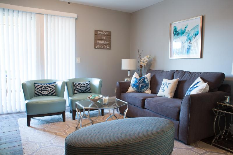 Perfect location, clean & modern - West Palm Beach, holiday rental in West Palm Beach