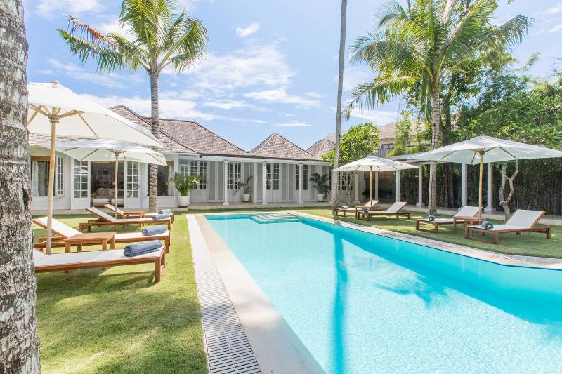 The Cotton House. Seminyak/Petitenget. 8 Bedroom  Large Luxury Villa., alquiler vacacional en Seminyak