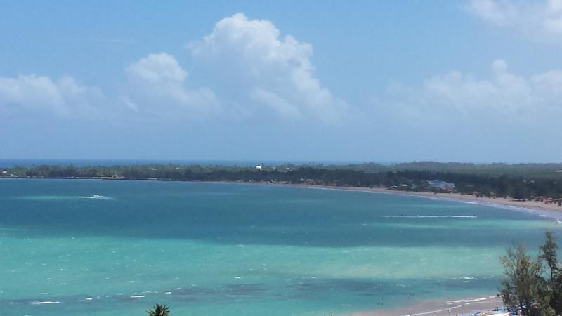 Isla Verde Puerto Rico Ocean View 2 beds on Beach, holiday rental in Isla Verde