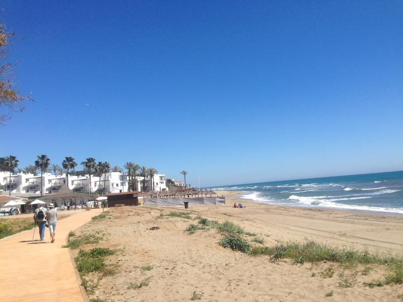 Here you can walk along the coast all the way to La Cala